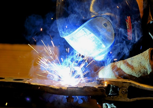 Fume Extraction for Automotive Welding